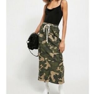 Free People New Camo Cargo Skirt